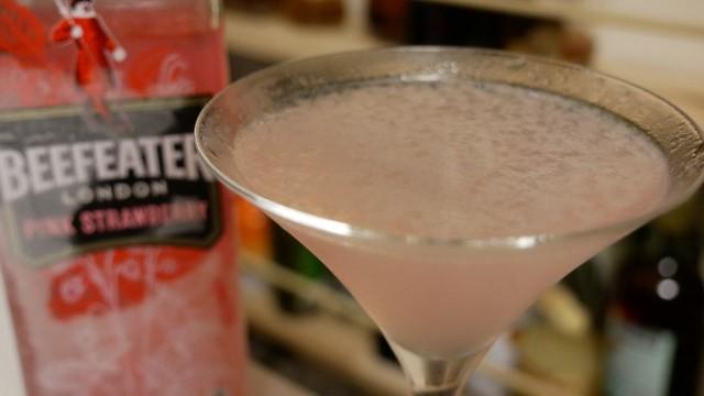 ピンクビーフィーターのホワイトレディの画像。