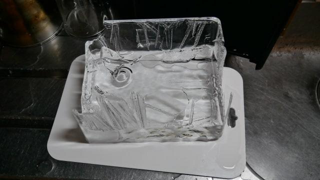 取り出した氷の画像。