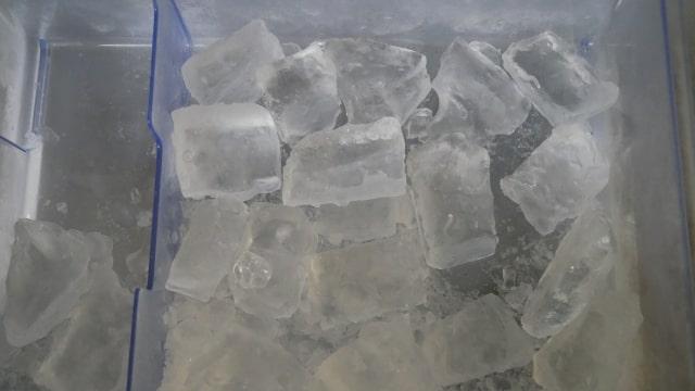 完成した透明な氷の画像。