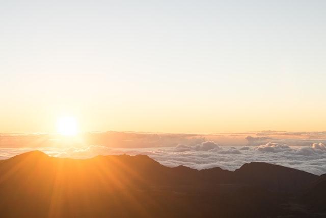 日の出の写真。