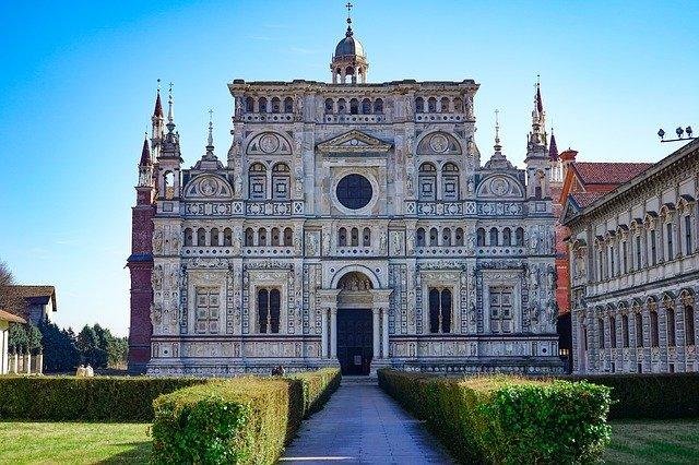 修道院のイメージ画像。