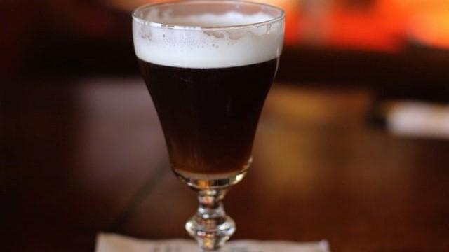 アイリッシュコーヒーのイメージ画像。
