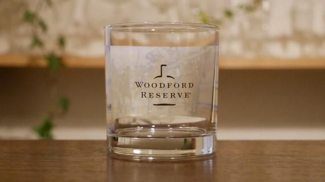 ウッドフォードリザーブのノベリティのグラスの画像。