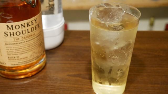 モンキーショルダーのソーダ割の画像。