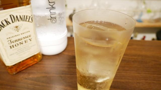 ジャックダニエルテネシーのソーダ割りの画像。