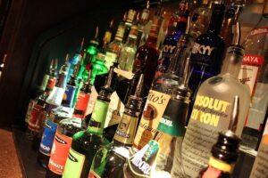 お酒のイメージ画像。
